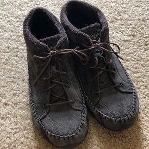 Sketchers moccasin style shoes